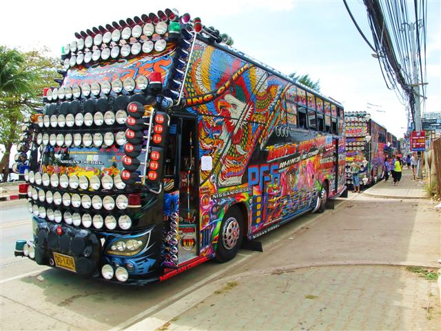 Crazy Thai Bus